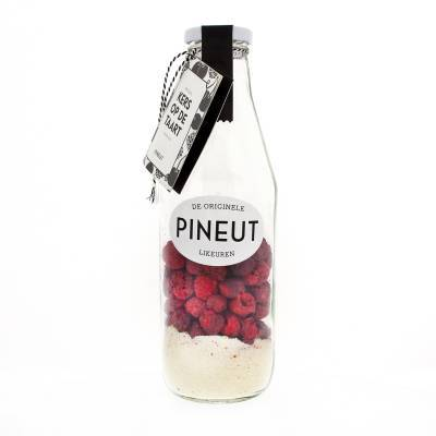 4883 - Pineut kers op de taart 750 ml