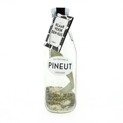 4885 - Pineut klaar voor een kus fles 750 ml